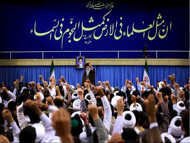 تداوم حضور روحانیون و مردم، استمرار حرکت انقلاب را ممکن کرده است/تبیین سه مسئولیت مهم روحانیت/ طلاب باید وارد عرصه مقابله با شبهات شوند