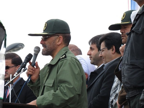 حضور مردم در جشن انقلاب دشمنان را نا امید کرد/حضور در انتخابات در تراز حماسه های عظیم انقلاب است