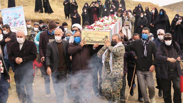 دو شهید گمنام دفاع مقدس در بابارشانی و توپ آغاج بیجار تشییع شدند + عکس