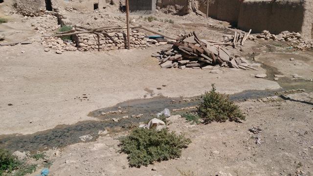 مشکلات روستائیان،محض اطلاع مسئولین،نبود سیستم فاضلاب ،بیجار بام ایران